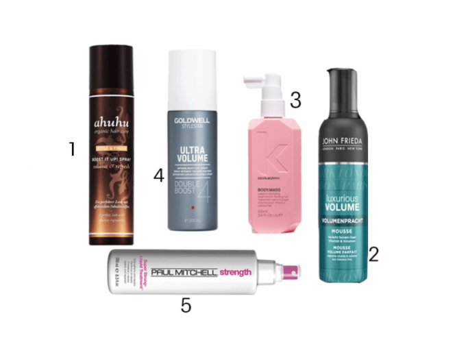 "1. ""Organic Hair Care Style & Finish Boost It Up! Spray"" mit Reisstärke von Ahuhu, um 20 Euro, 2. Haarschaum ""Luxurious Volume Volumenpracht Mousse"" von John Frieda, um 8 Euro, 3. ""Body.Mass""-Spray mit Apigenin, das die Durchblutung der Kopfhaut ankurbelt, von Kevin.Murphy, um 38 Euro, 4. Ansatzvolumenspray ""Ultra Volume Double Boost"" von Goldwell, um 19 Euro, 5. ""Super Strong Liquid Treatment"" von Paul Mitchell kräftigt mit pflanzlichen Proteinen, um 28 Euro. 